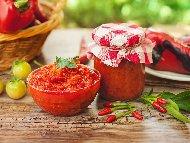 Бърза вкусна и лесна домашна мързелива лютеница с доматено пюре, печени чушки и мед без захар (зимнина в буркани)
